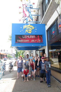 Accessibel Travel students at Blueberry Hill restaurant